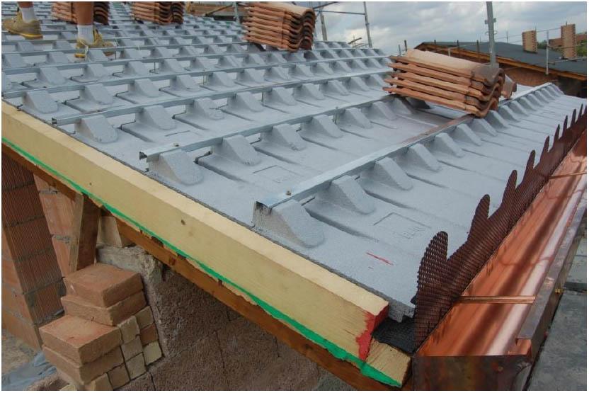 Fbm spa sistema tetto a pannelli indicazioni generali for Montaggio tetto in legno ventilato